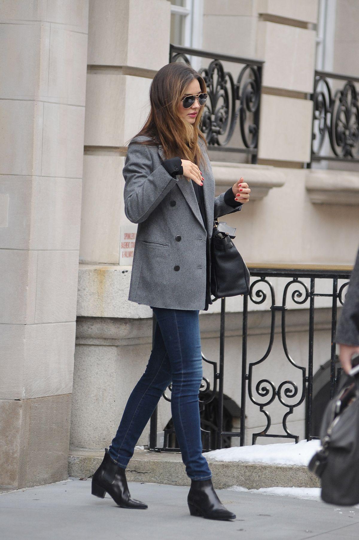 Miranda Kerr Leaves Her Apartment On The Upper East Side In New York