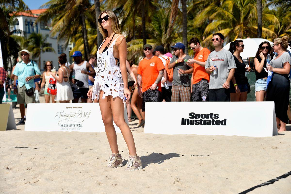 SI 2014 Swimsuit Beach Volleyball Tournament -20   GotCeleb