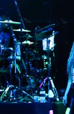AVRIL LAVIGNE Performs in Taipei