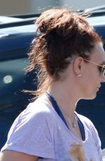BRITNEY SPEARS Shopping Grocery in Thousand Oaks