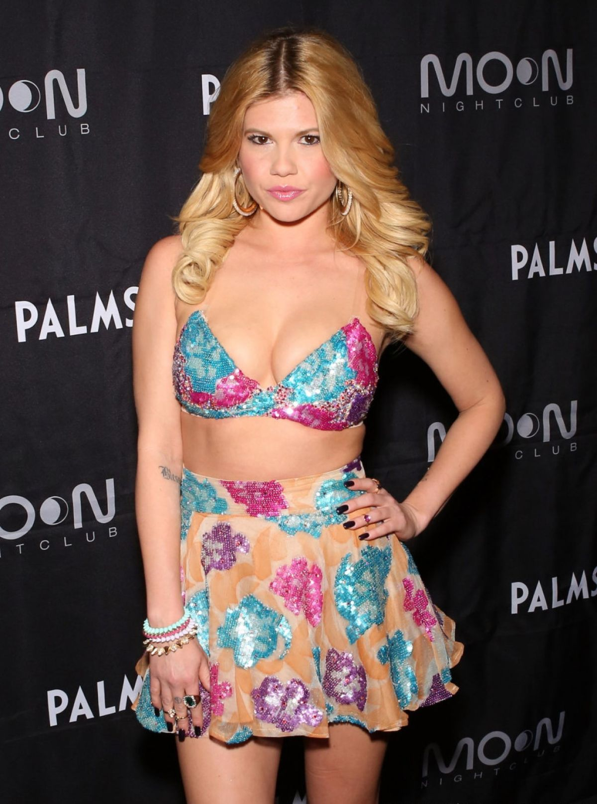 The 28-year old daughter of father (?) and mother(?), 175 cm tall Chanel West Coast in 2017 photo
