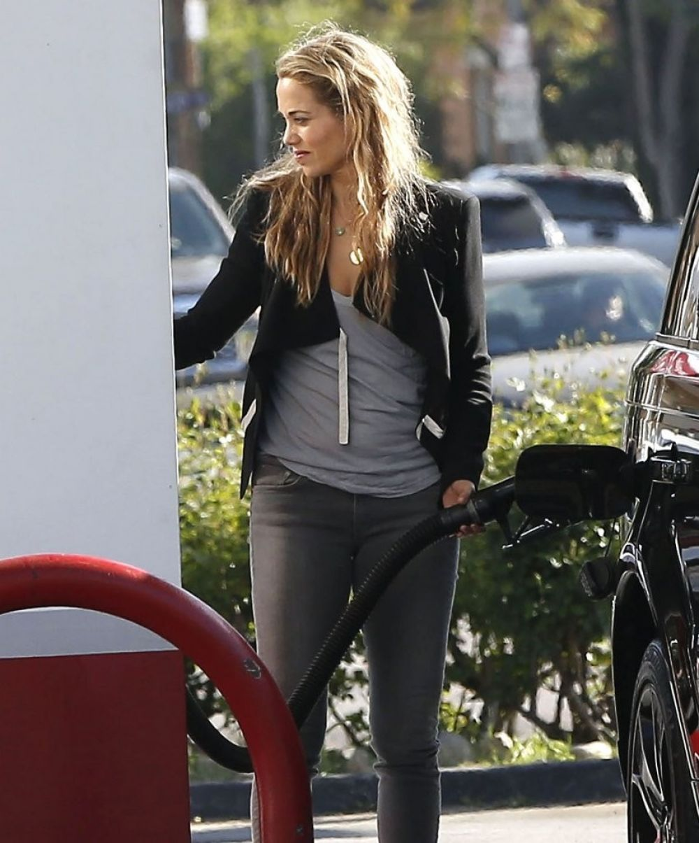 ELIZABETH BERKLEY at a Gas Station in Los Angeles