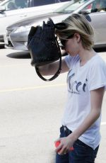 EMMA ROBERTS Hide from Paps Out in Los Angeles