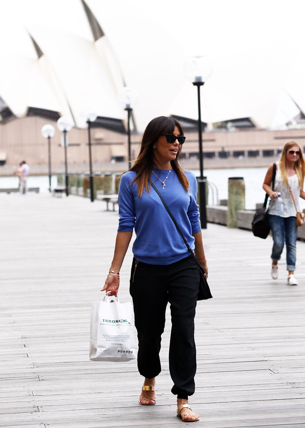 Who is eva longoria dating in Sydney