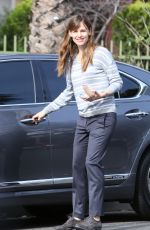 JENNIFER GARNER Find Her Car Scuffed Up