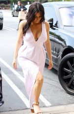 KIM KARDASHIAN Shoping for Camera Gear in Calabasas