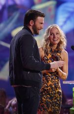 KRISTEN BELL at 2014 Nickelodeon's Kids' Choice Awards in Los Angeles