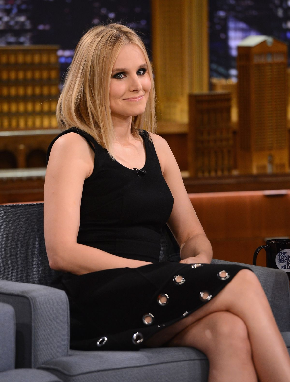 KRISTEN BELL at Tonight Show With Jimmy Fallon