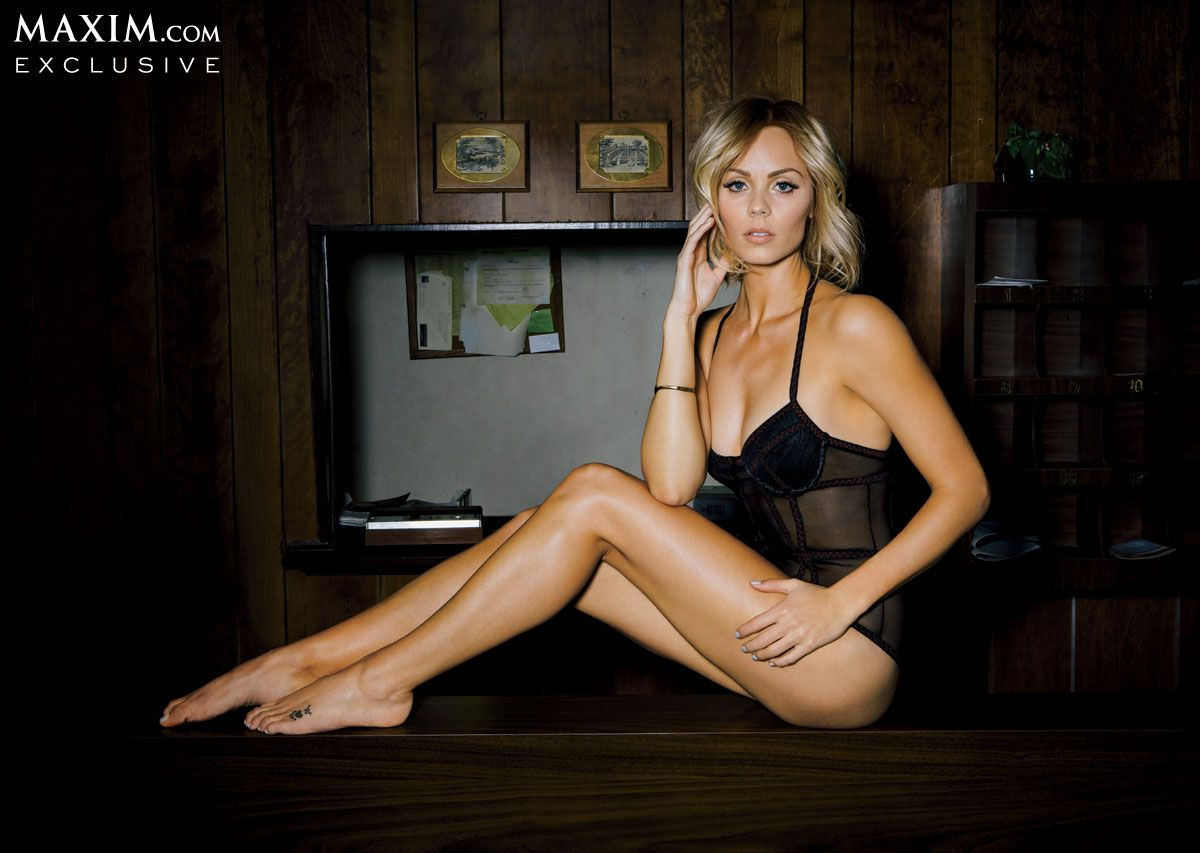 Laura Vandervoort In Maxim Magazine March 2014 Issue