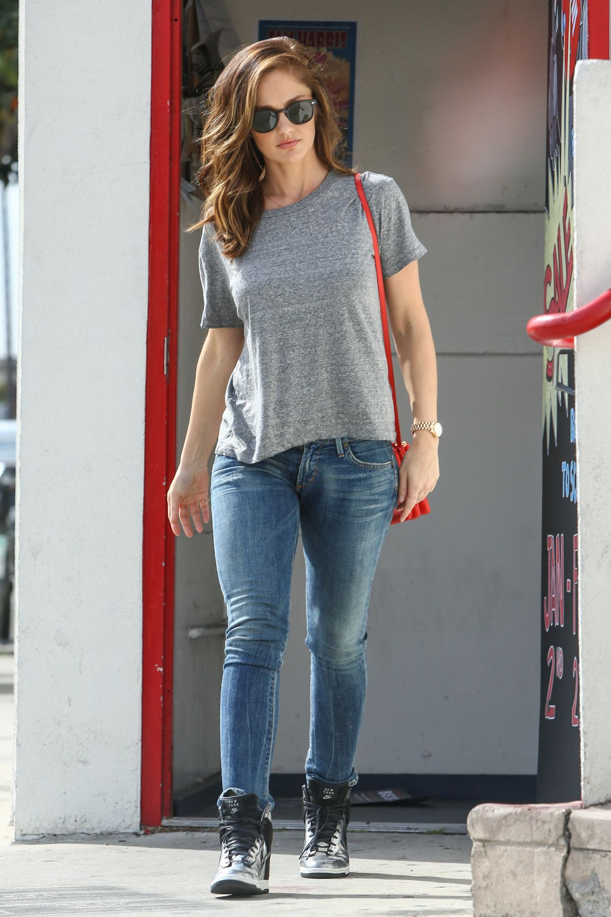 Minka Kelly In Jeans Out And About In Los Angeles on oscar party dogs