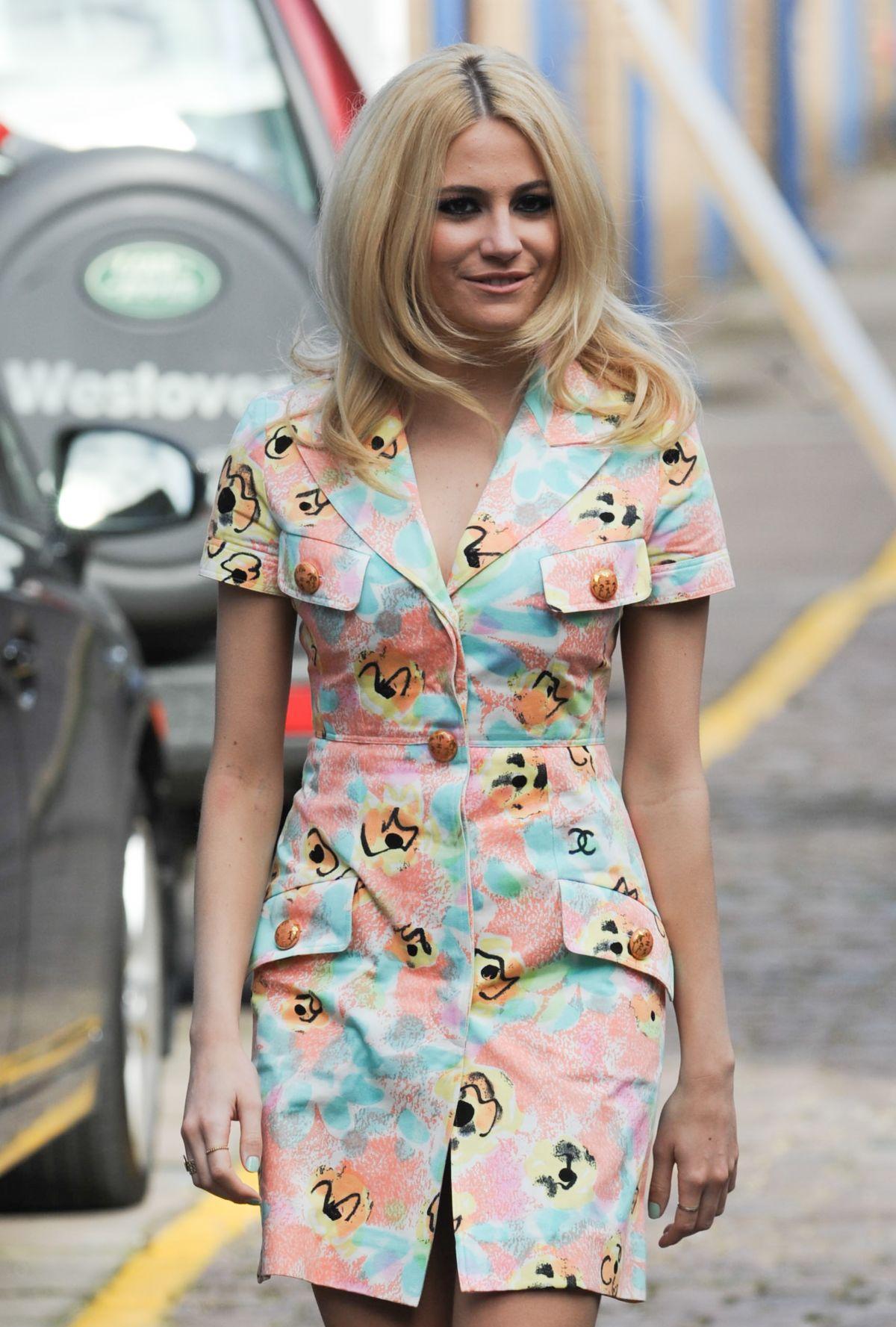 Pixie Lott - the Fashion Spot 34