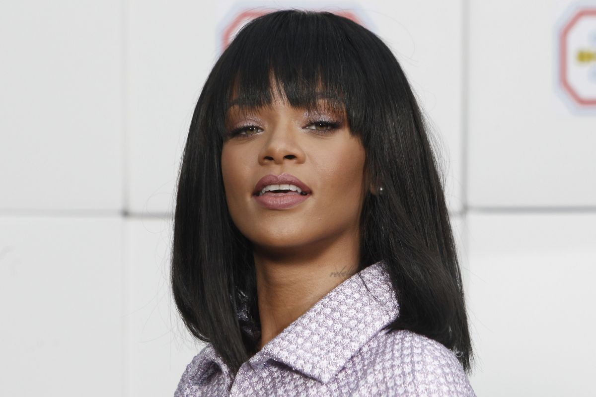 RIHANNA at Chanel Autumn/Winter 2014/2015 Fashion Show in Paris