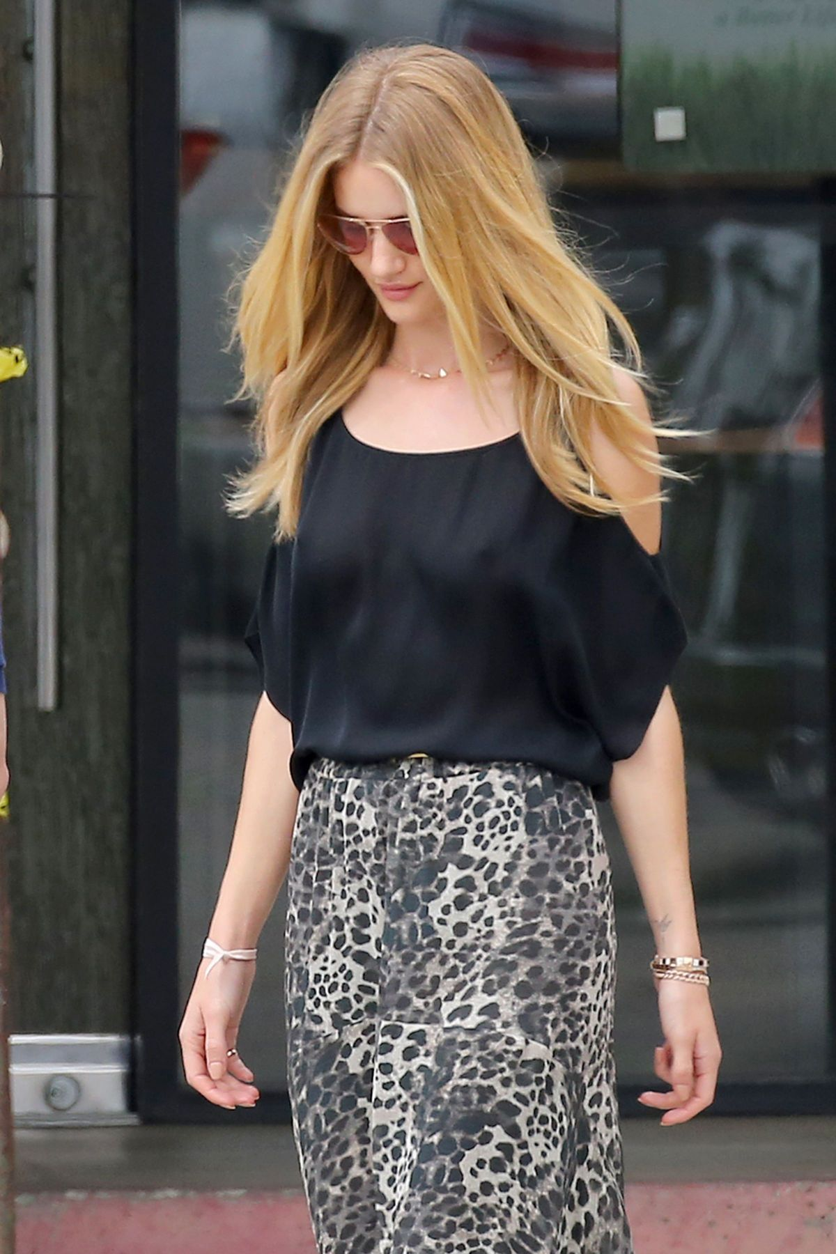 ROSIE HUNTINGTON-WHITELEY Out and About in Malibu