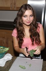 SAMMI HANRATTY Cooking at Her Home