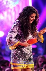 SELENA GOMEZ at 2014 Nickelodeon's Kids' Choice Awards in Los Angeles
