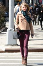 TAYLOR SWIFT Out and About in New York 2703