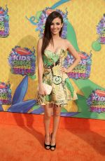 VICTORIA JUSTICE at 2014 Nickelodeon's Kids' Choice Awards in Los Angeles