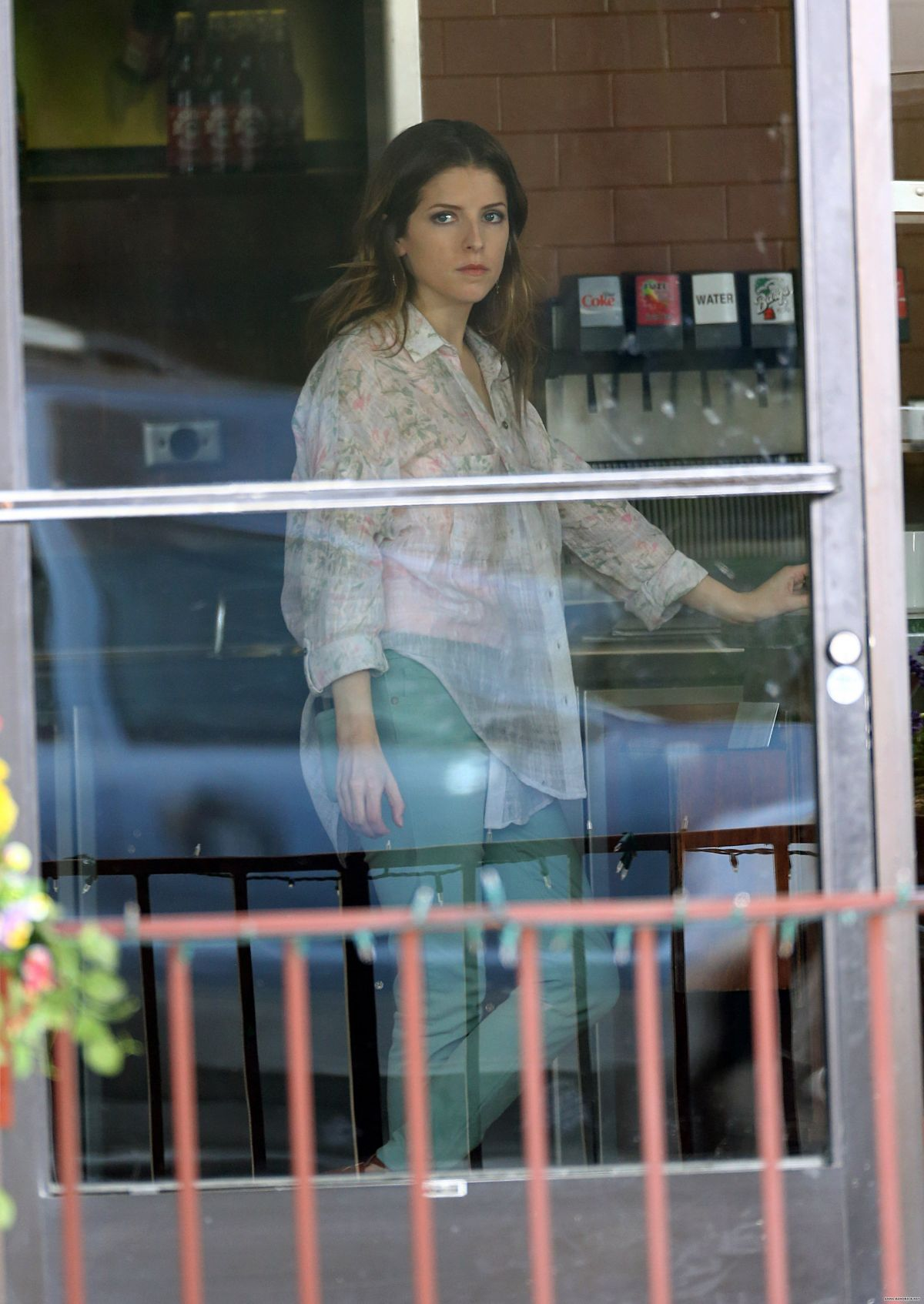 Anna kendrick on the set of cake in los angeles hawtcelebs anna kendrick on the set of cake in los angeles voltagebd Images