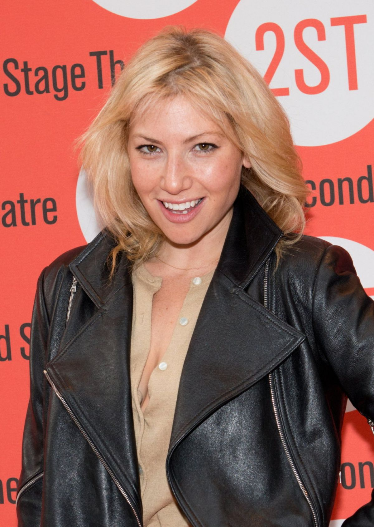ari graynor imdbari graynor instagram, ari graynor eddie kaye thomas, ari graynor, ari graynor tumblr, ari graynor imdb, ari graynor boyfriend, ari graynor net worth, ari graynor movies, ari graynor bad teacher, ari graynor fringe, ari graynor nudography, ari graynor measurements