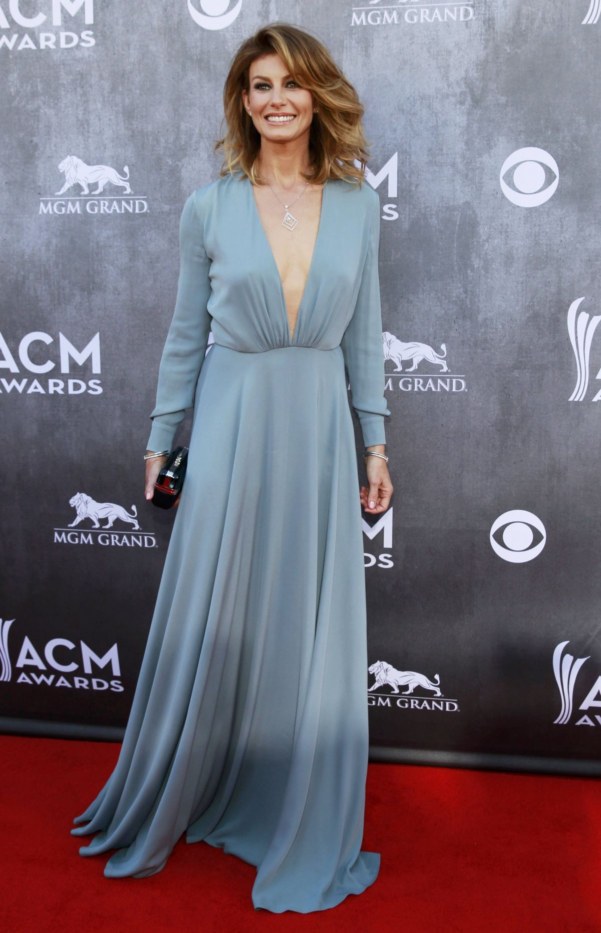 faith hill at 2014 academy of country music awards