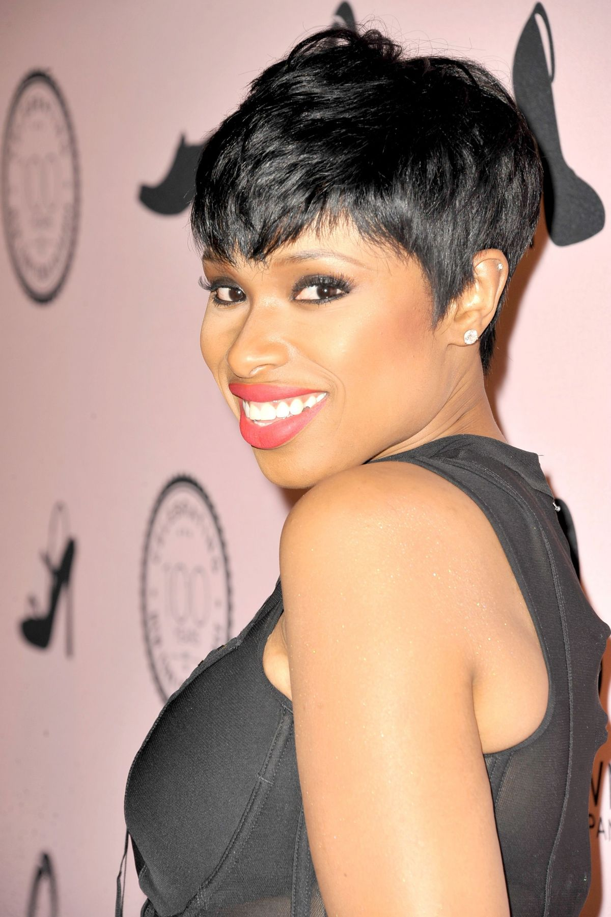 JENNIFER HUDSON at Brown Shoe Company Event