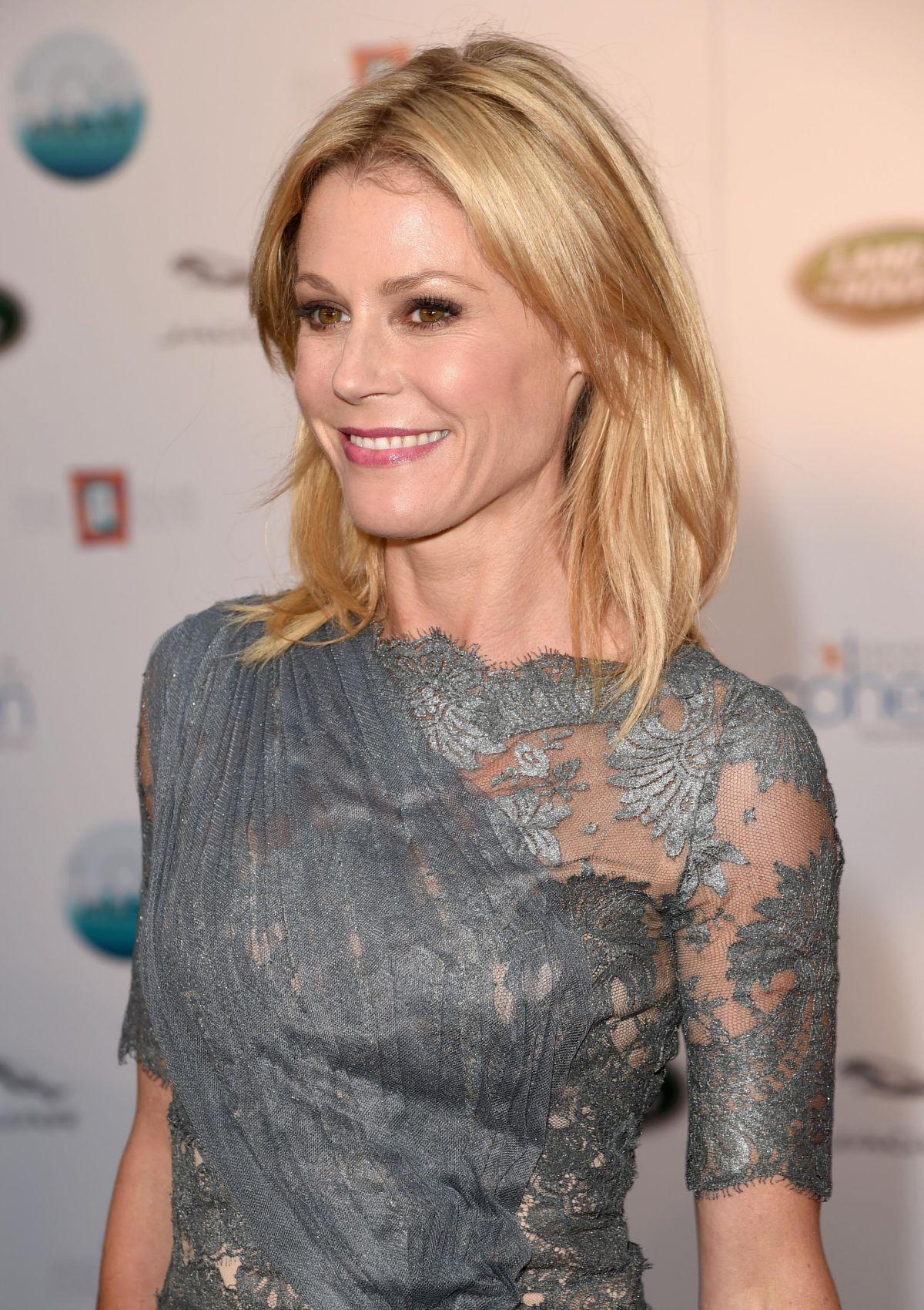Julie Bowen At La Modernism Show And Sale Opening Night Party In
