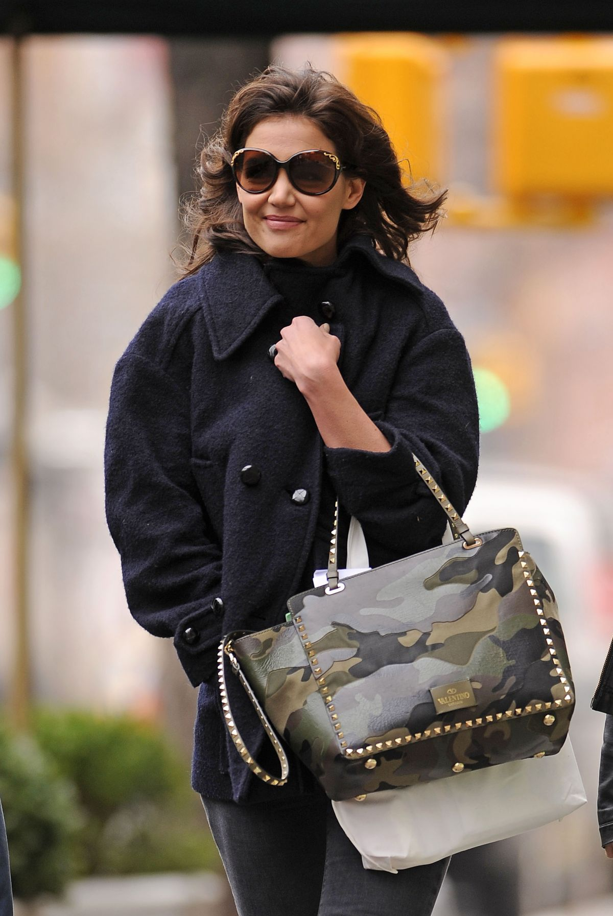 KATIE HOLMES Heading to Set of Dangerous Liaisons in New York