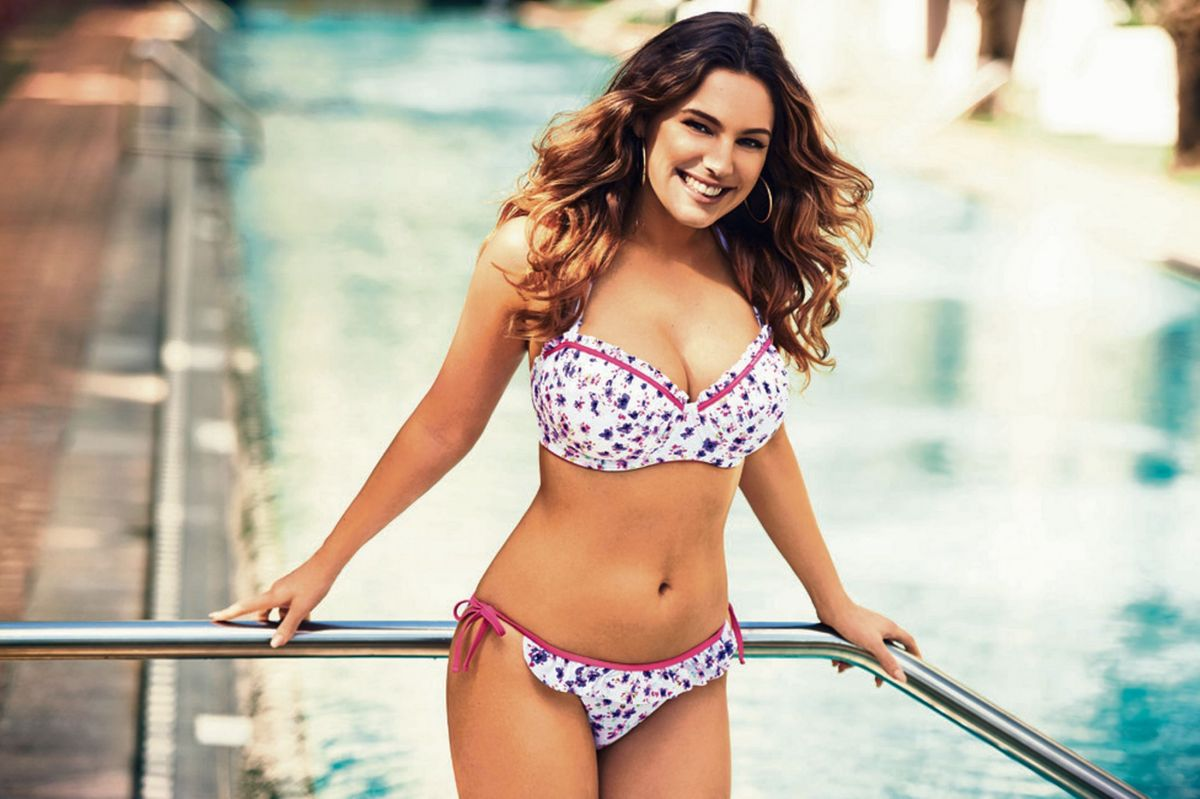 KELLY BROOK - New Look Swimwear Photoshoot