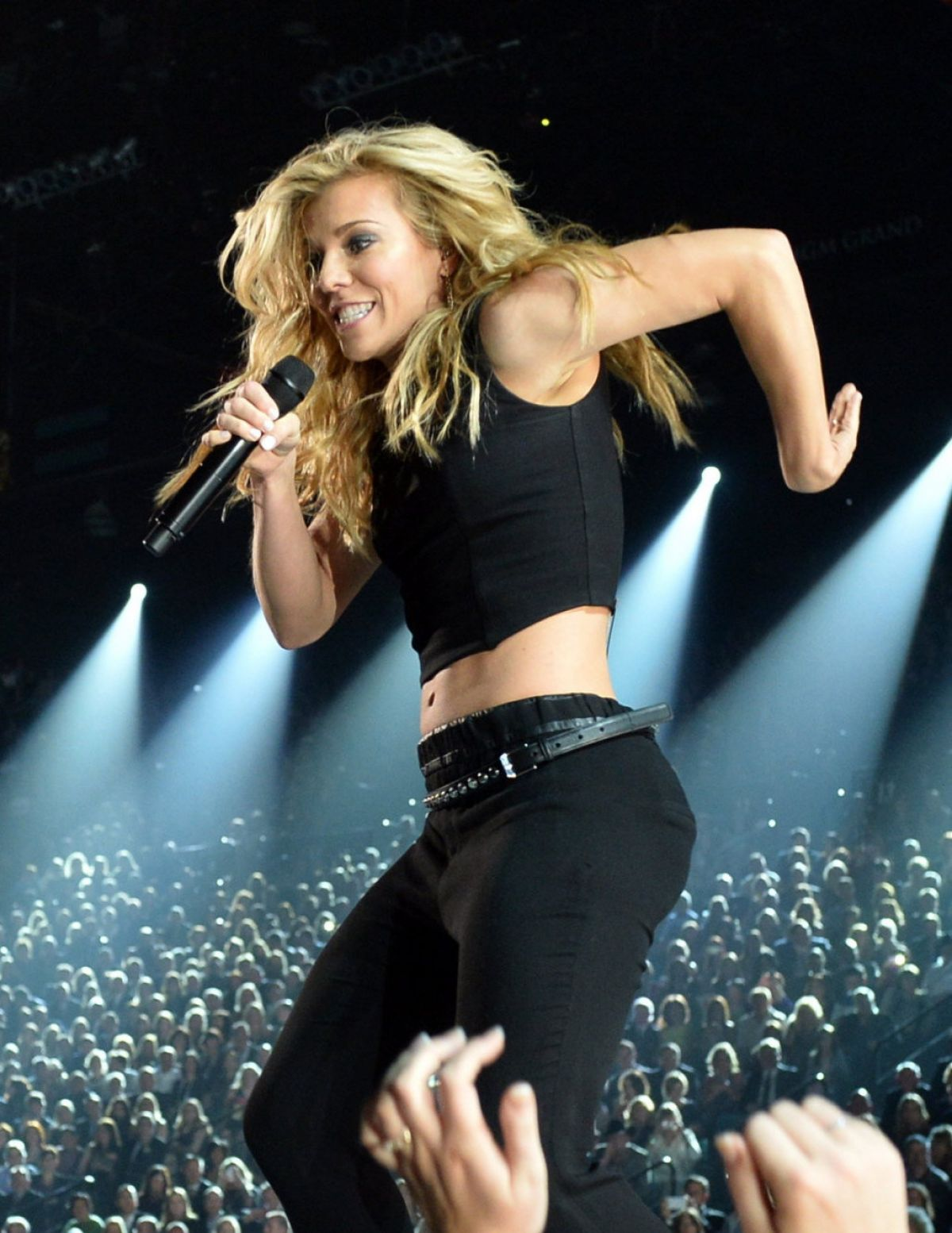 hot pics of kimberly perry