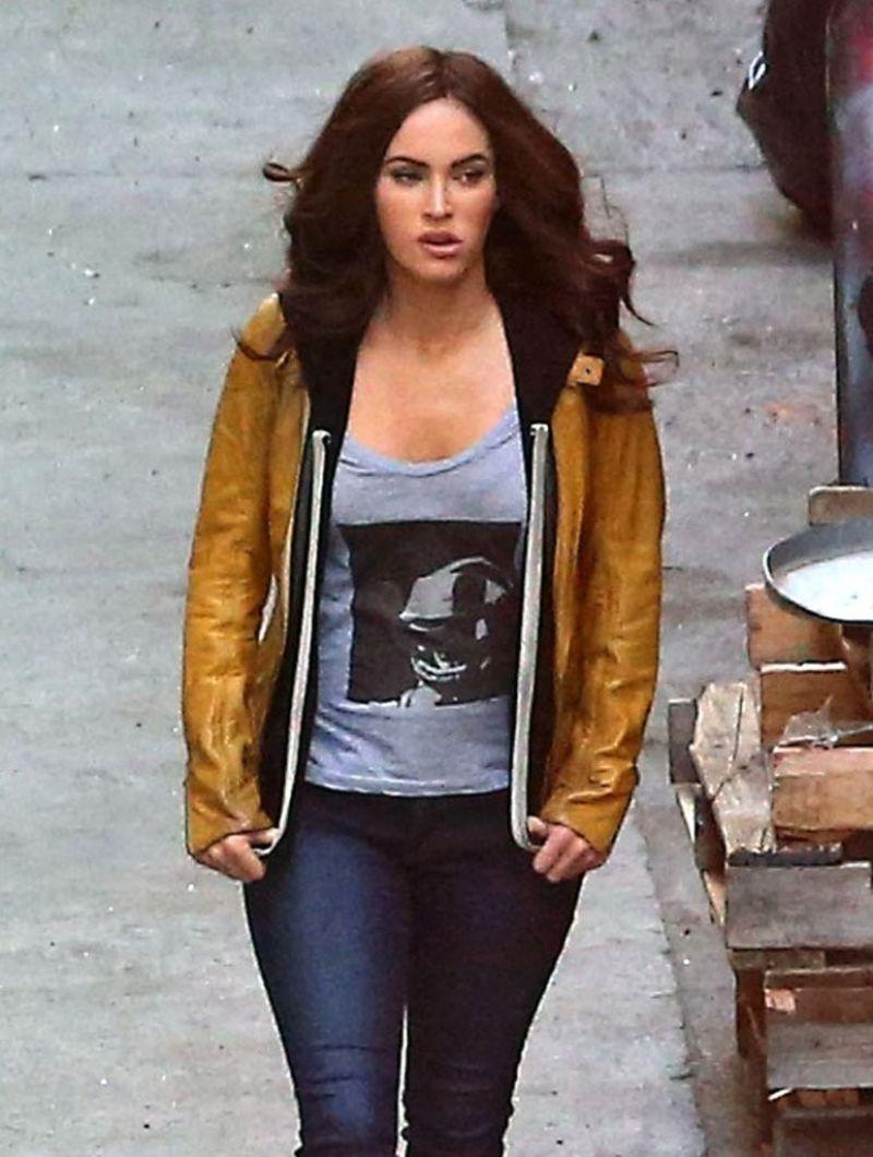 Megan Fox On The Set Of Teenage Mutant Ninja Turtles In Los Angeles