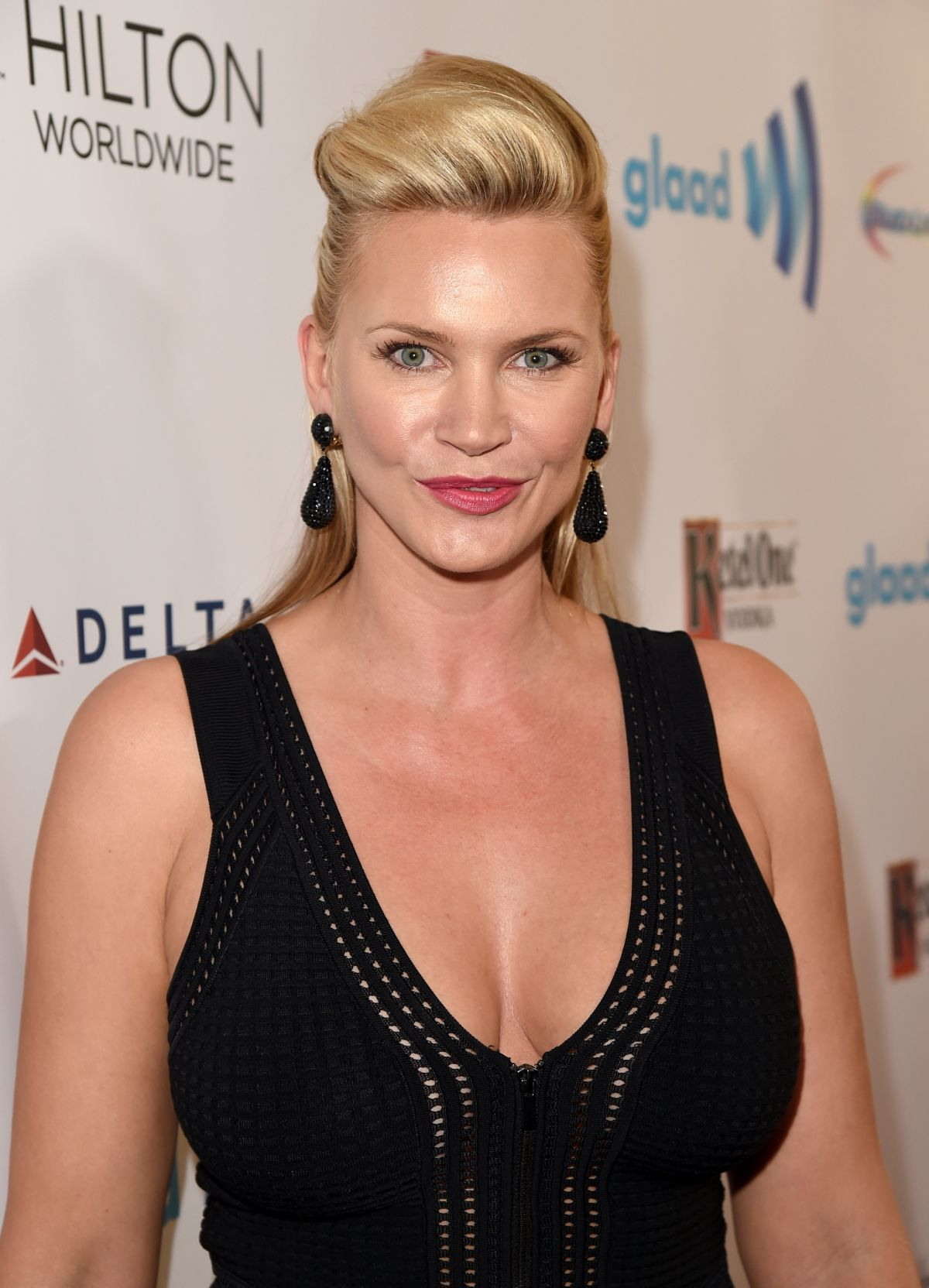 Natasha Henstridge At 2014 Glaad Media Awards In Los
