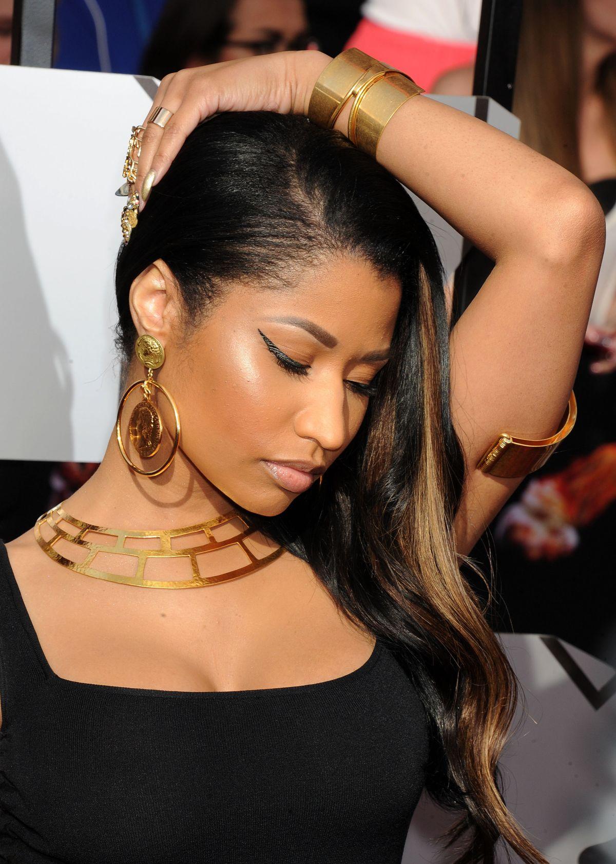 MTV EMAs 2014 host Nicki Minaj makes EIGHT outfit changes | Daily ...