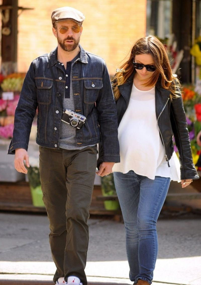 OLIVIA WILDE and Jason Sudeikis Out and About in New York 1904
