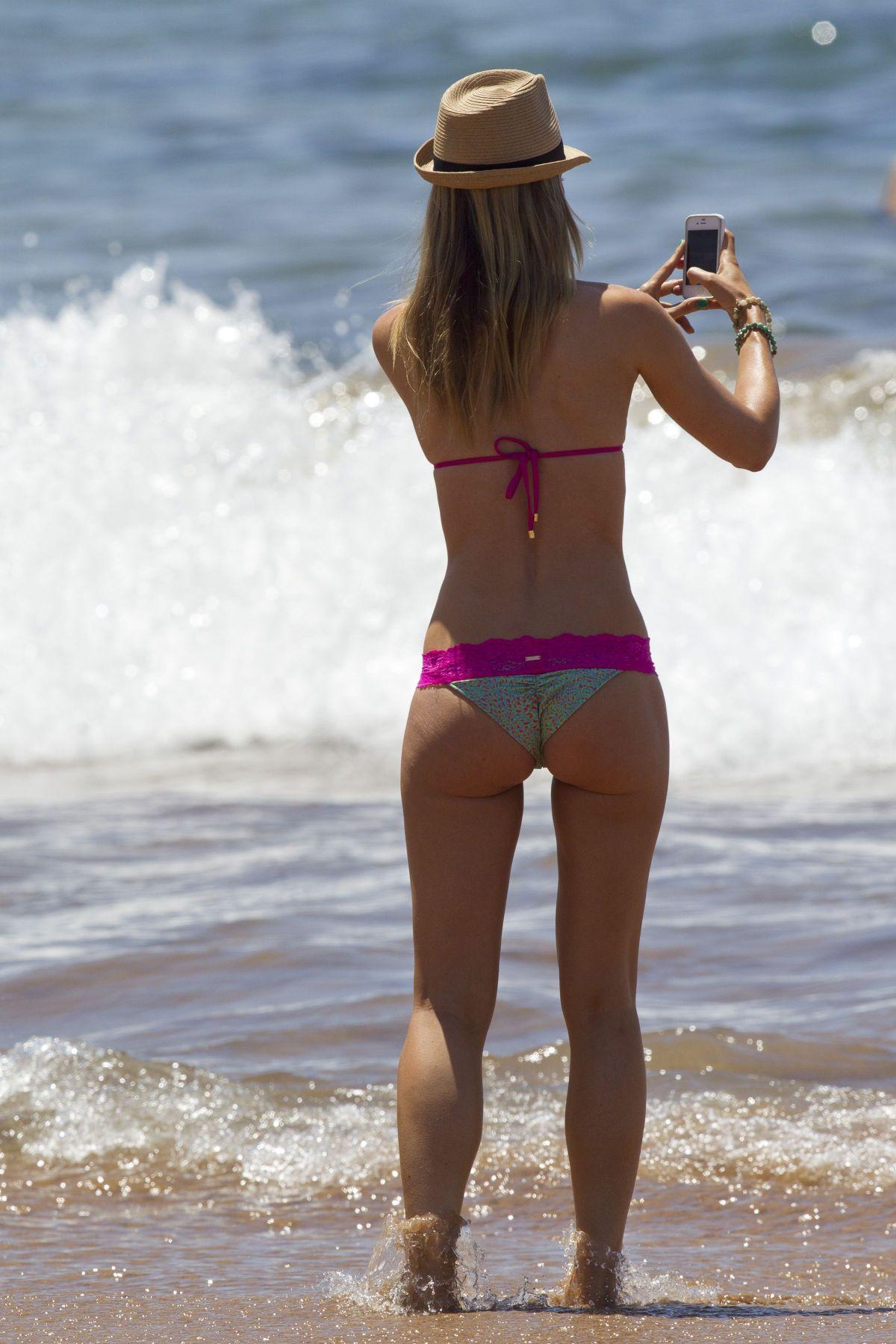 Pregnant ebony naked girls sucking breast