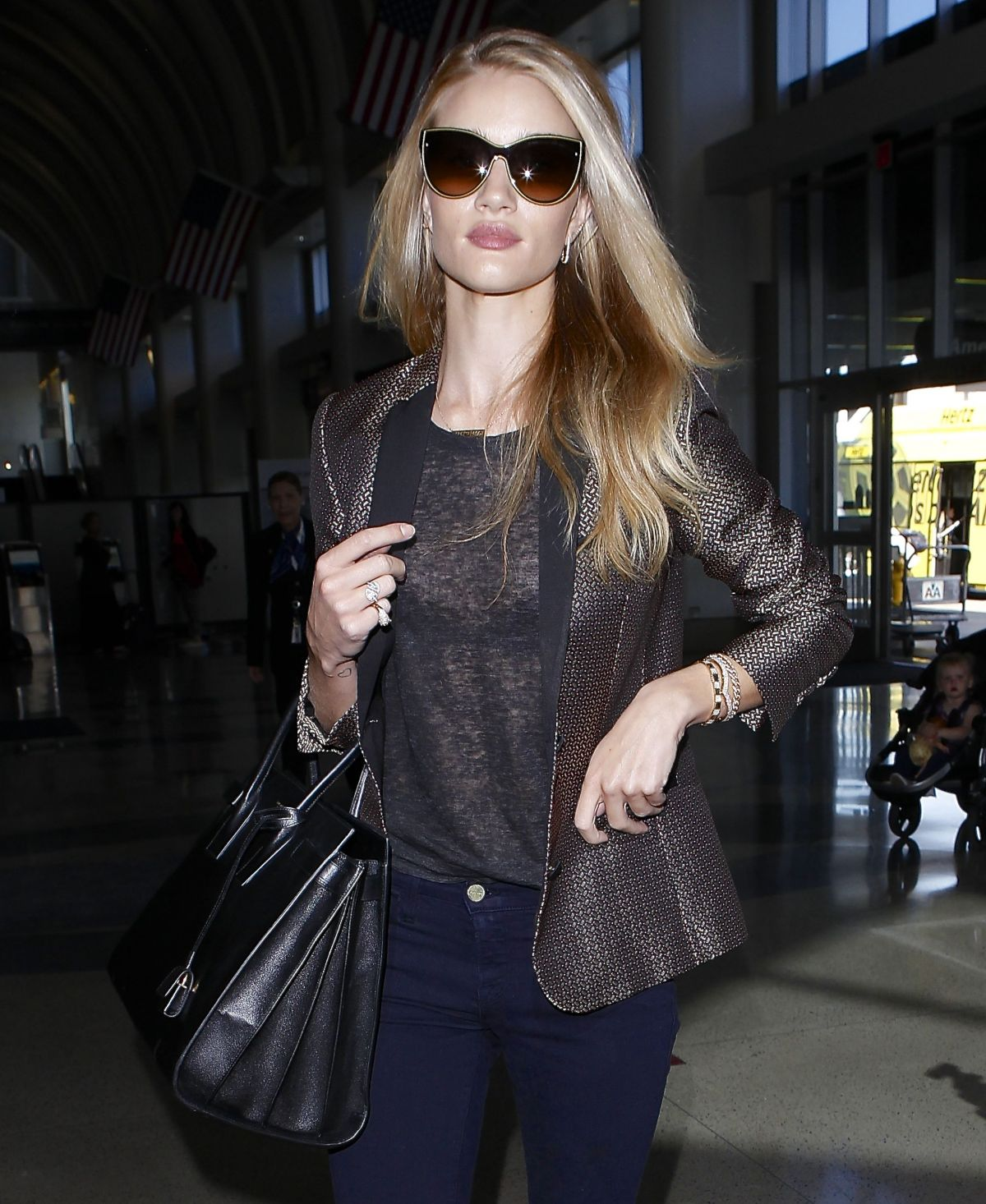 ROSIE HUNTINGTON-WHITELEY at LAX Airport 2404