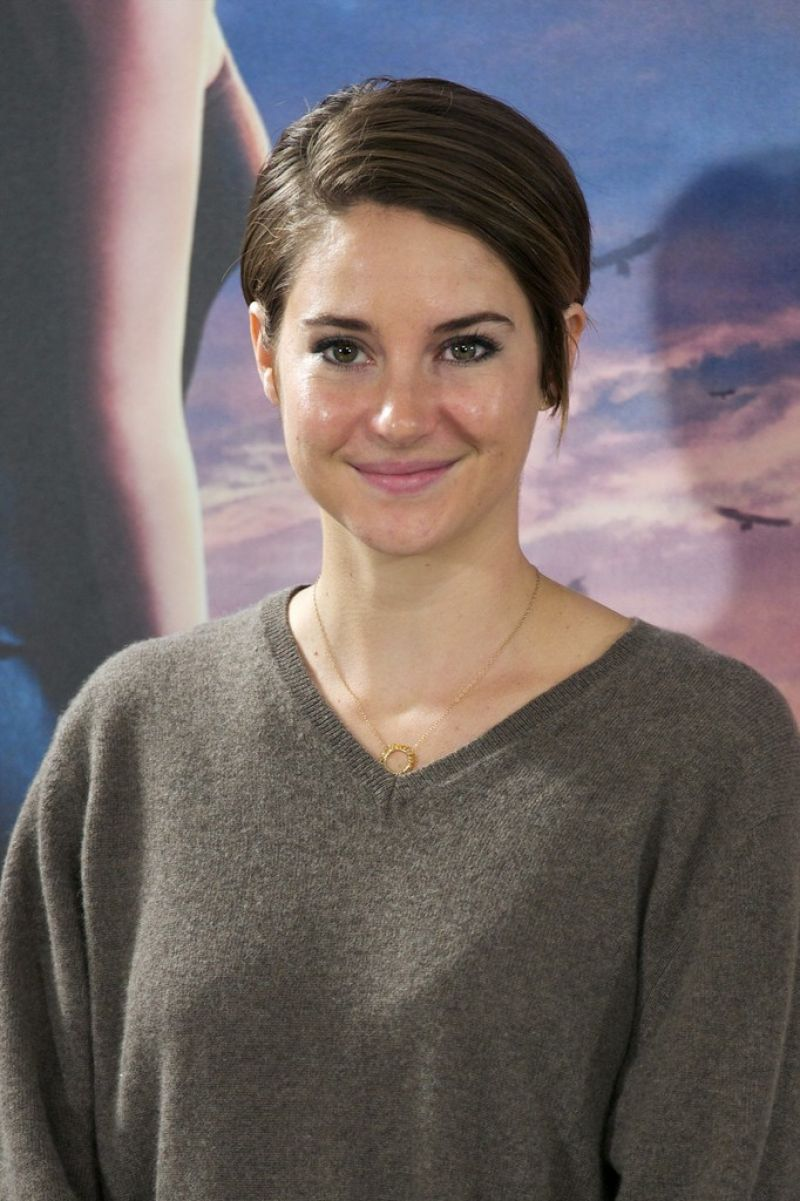 SHAILENE WOODLEY - Divergent Photocall in Madrid