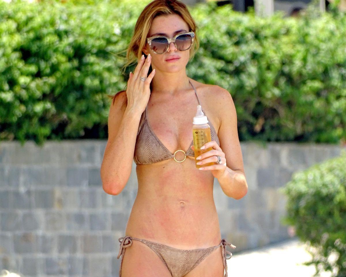 Bikini Abigail Clancy nudes (95 photo), Tits, Bikini, Twitter, see through 2017