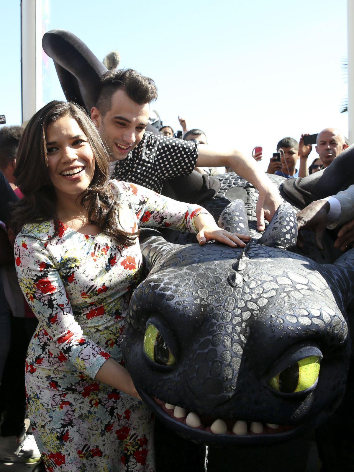 AMERICA FERRERA at How to Train Your Dragon 2 Stunt