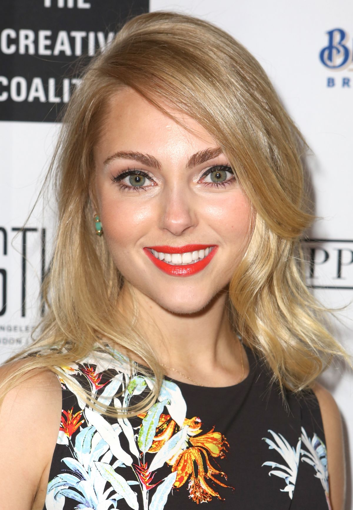 ANNSOPHIA ROBB at Creative Coalition Gala Benefit Dinner in Washington