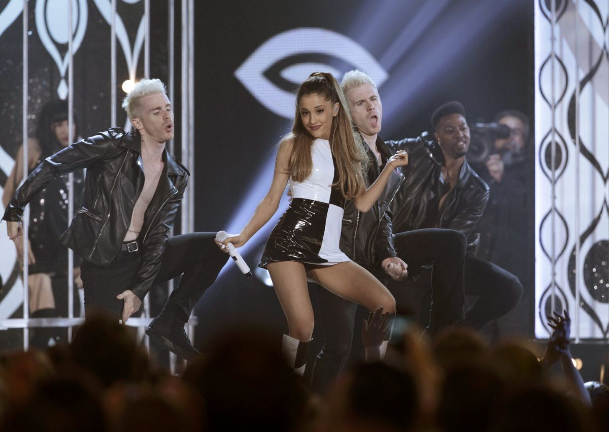 ariana grande 2014 billboard performance wedding. Black Bedroom Furniture Sets. Home Design Ideas