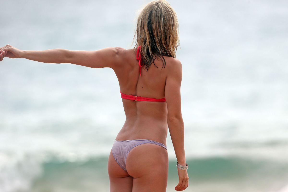 Bikini Ashley Wagner naked (63 foto and video), Tits, Paparazzi, Selfie, underwear 2006