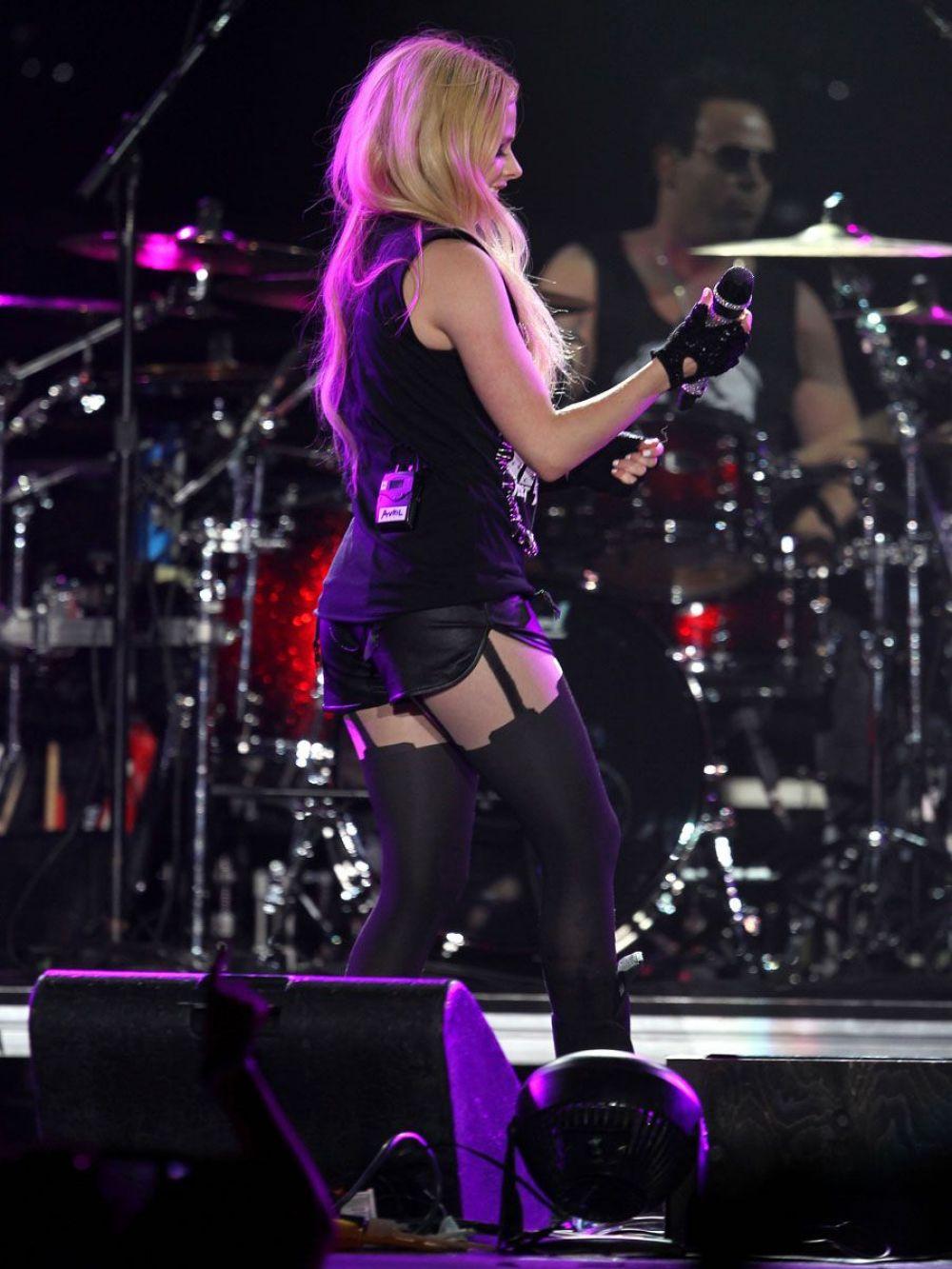 Avril Lavigne Tour Dates