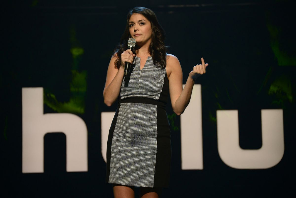 Cecily Strong Bikini At Upfront Presentation In New York Ideas