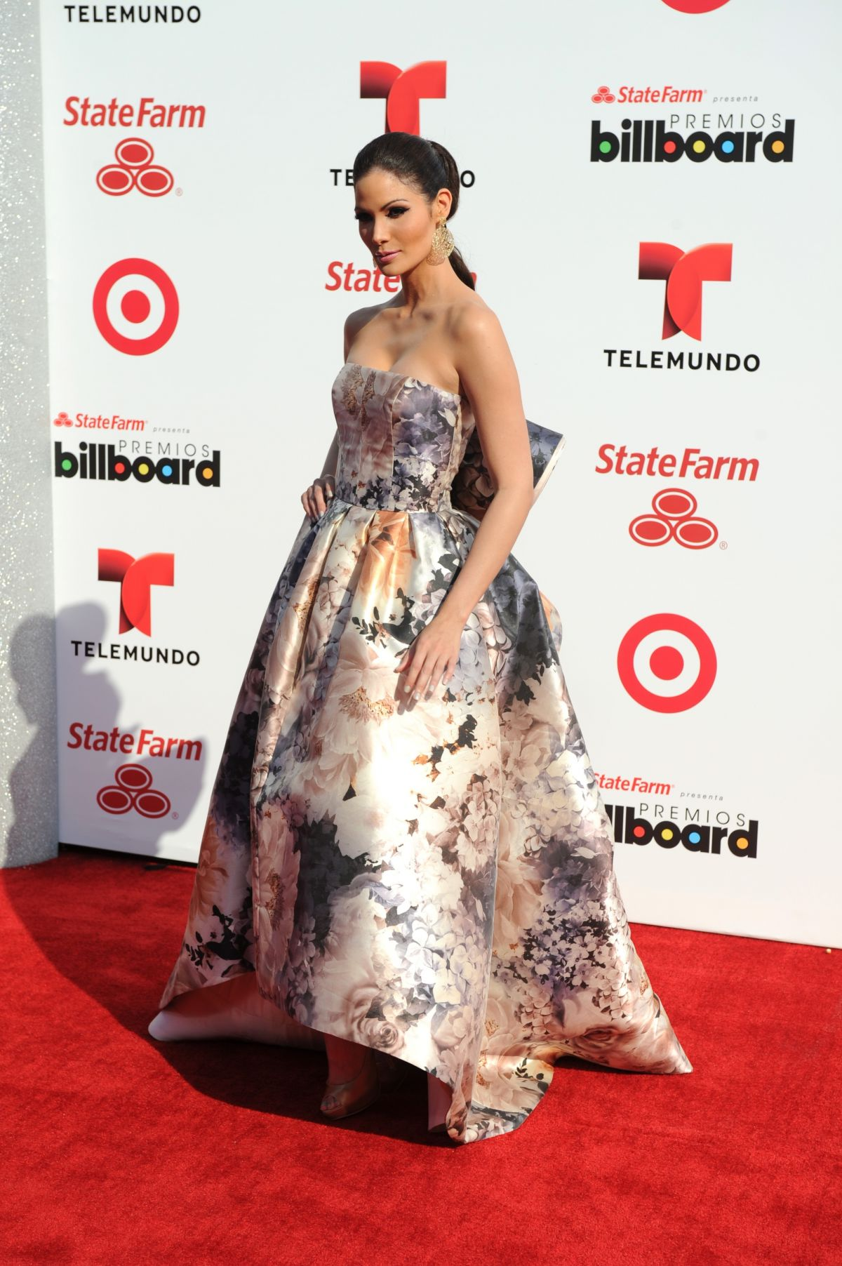 CYNTHIA OLAVARRIA at 2014 Billboard Latin Music Awards in Miami