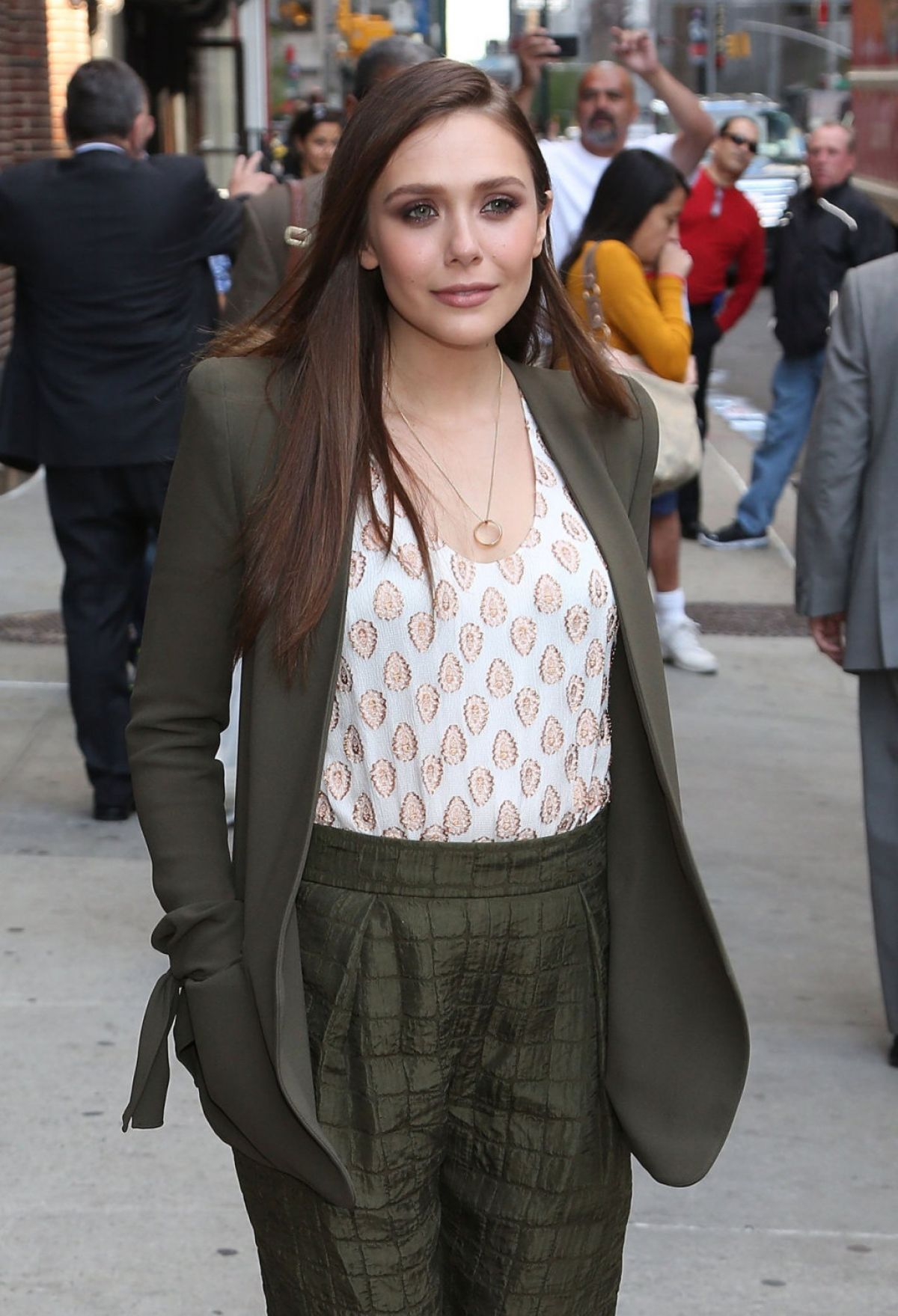 ELIZABETH OLSEN Arrives at The Late Show with David Letterman in New York