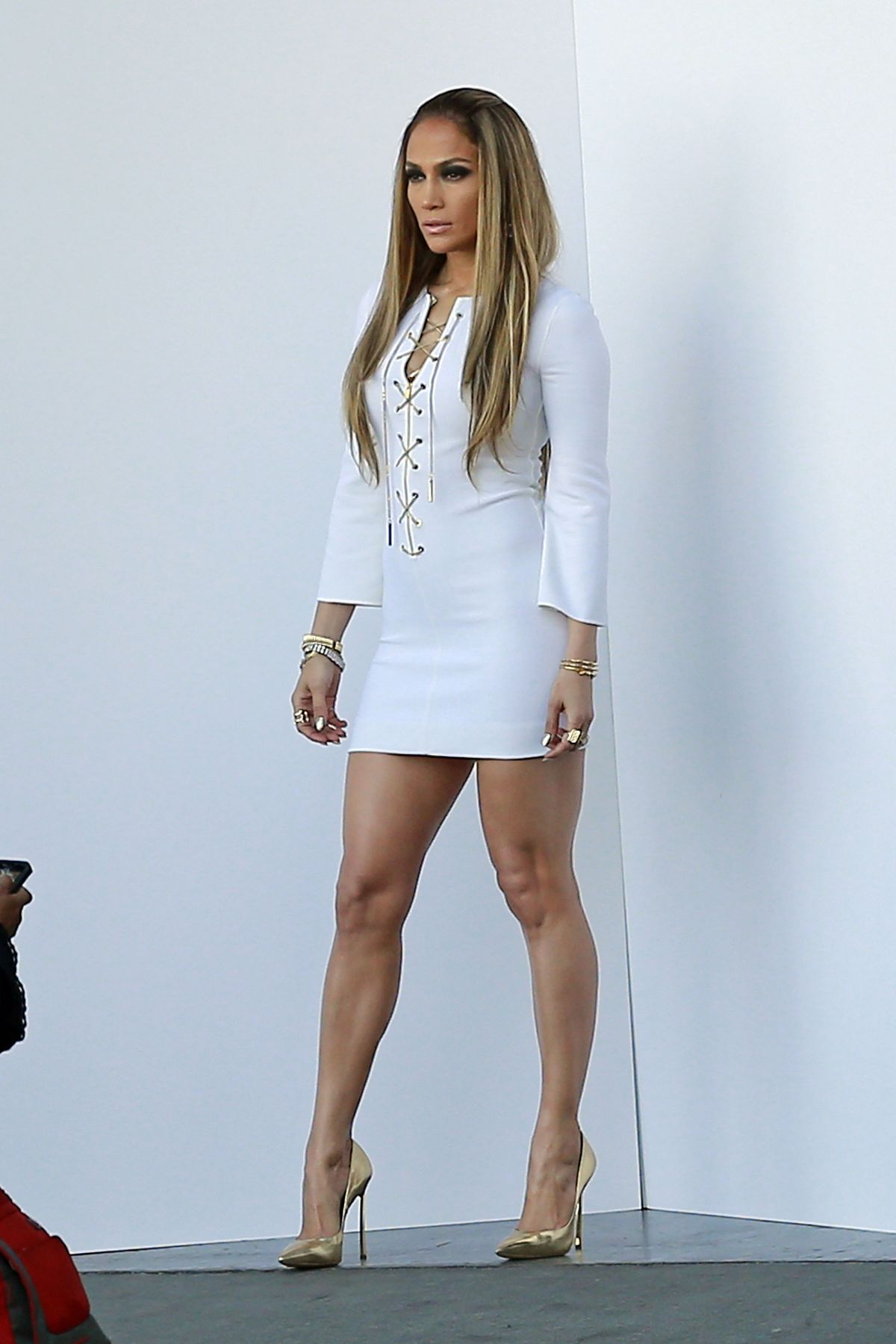 Jennifer lopez short dress car tuning