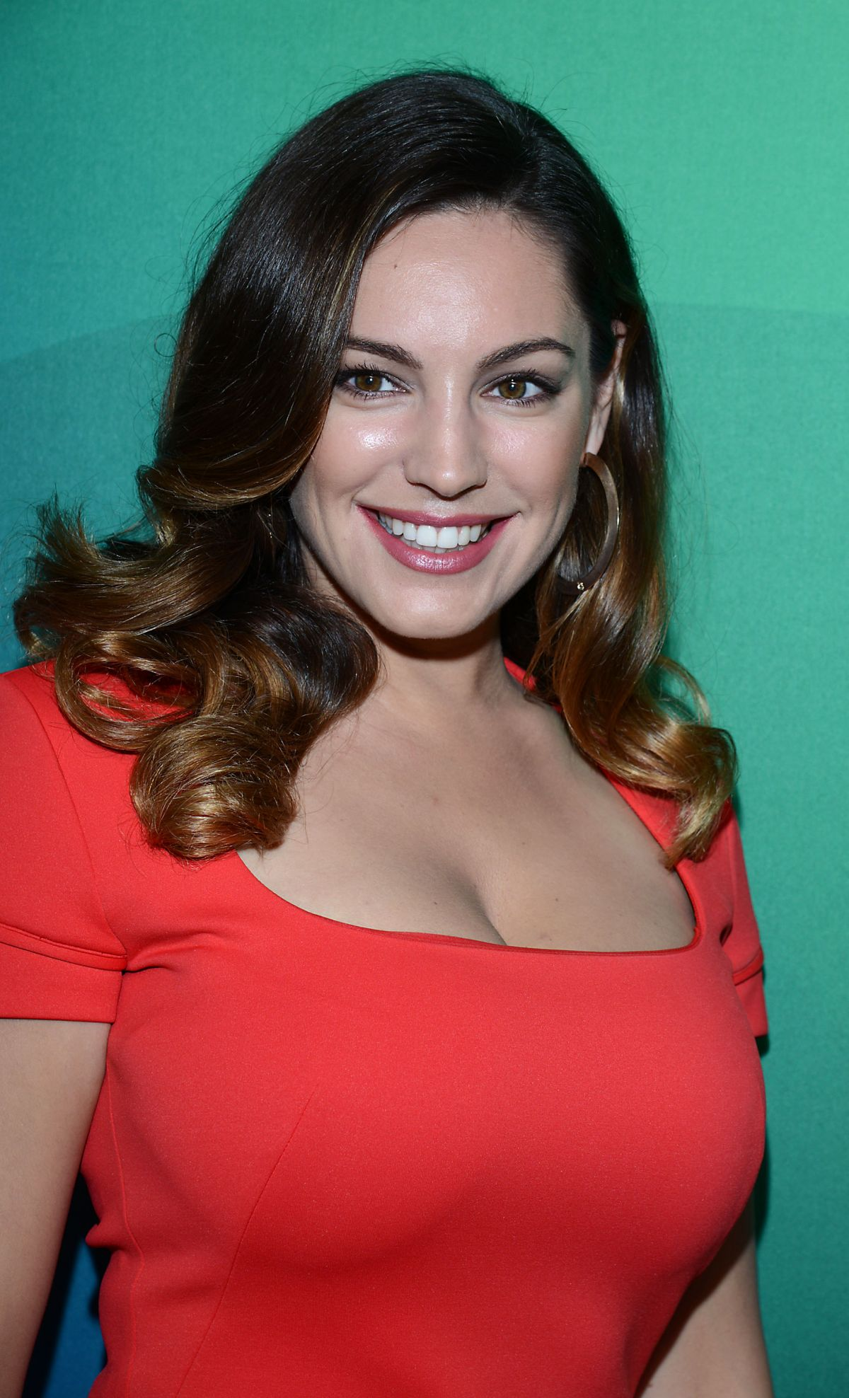 The 38-year old daughter of father Kenneth Parsons and mother Sandra Parsons, 168 cm tall Kelly Brook in 2018 photo