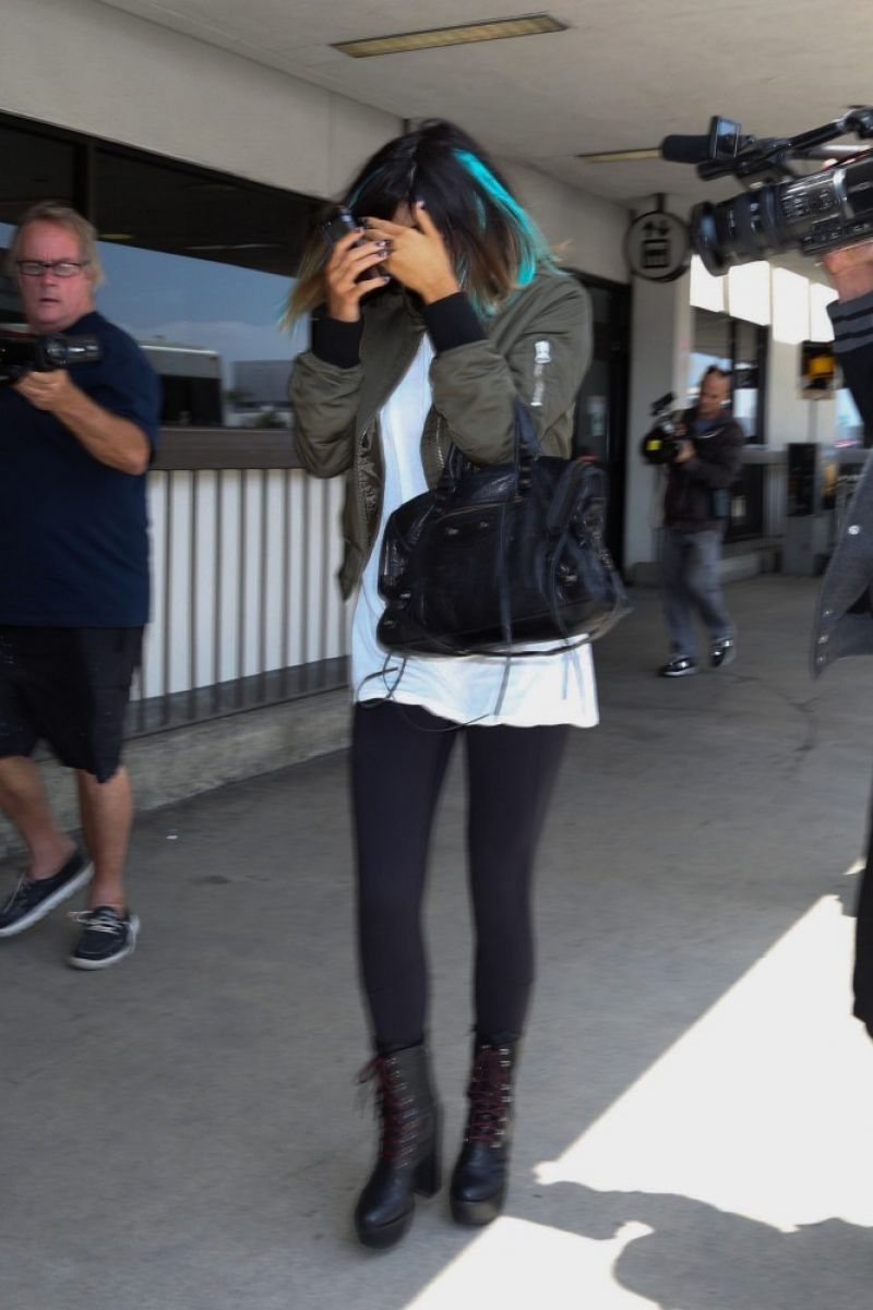 kylie jenner at lax airport in los angeles hawtcelebs