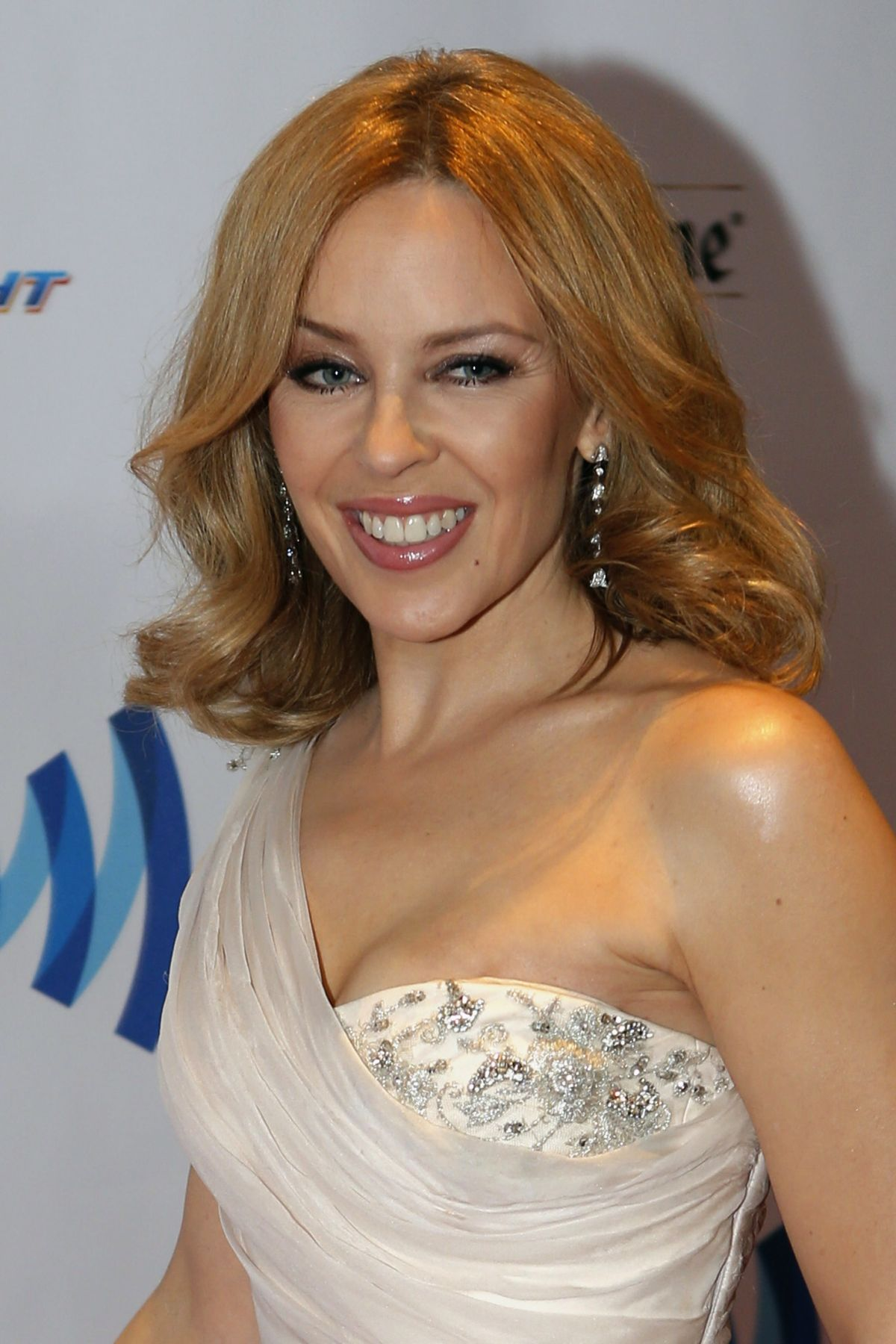 Kylie Minogue Gives Superfan Pricelesssurprises As She: KYLIE MINOGUE At GLAAD Media Awards 2014 In New York