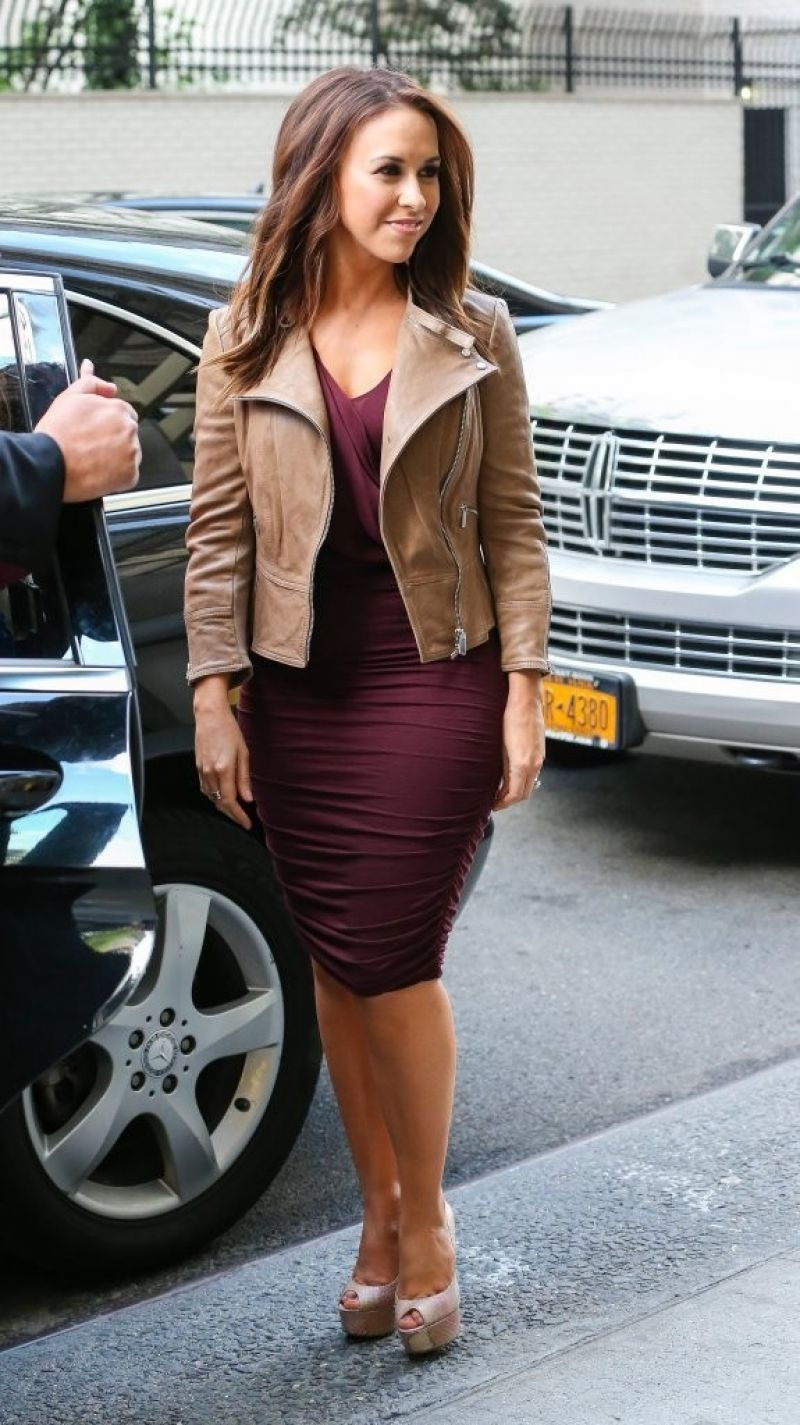 Lacey chabert out and about in new york hawtcelebs hawtcelebs